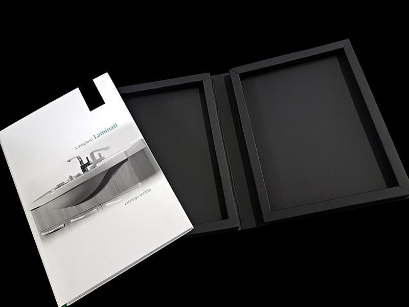 cartella personalizzata porta campioni in cartoncino con cornice